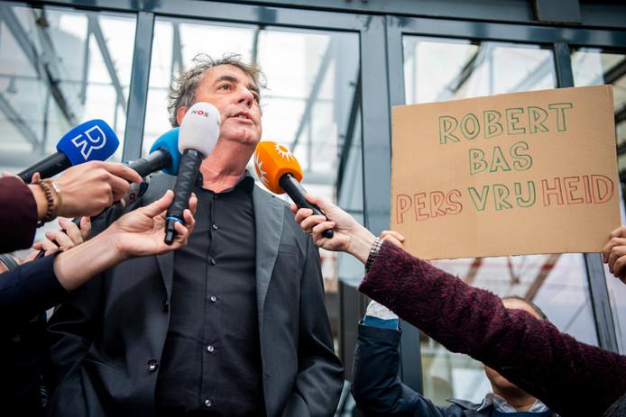 Journalisten protesteerden vanmorgen bij de rechtbank in Rotterdam tegen de gijzeling van Robert Bas.