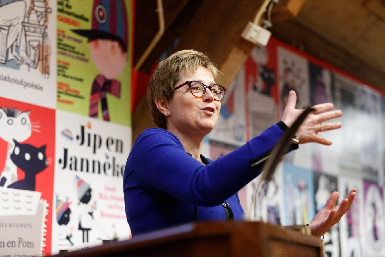 Kersverse burgemeester Miranda de Vries van Etten-Leur.