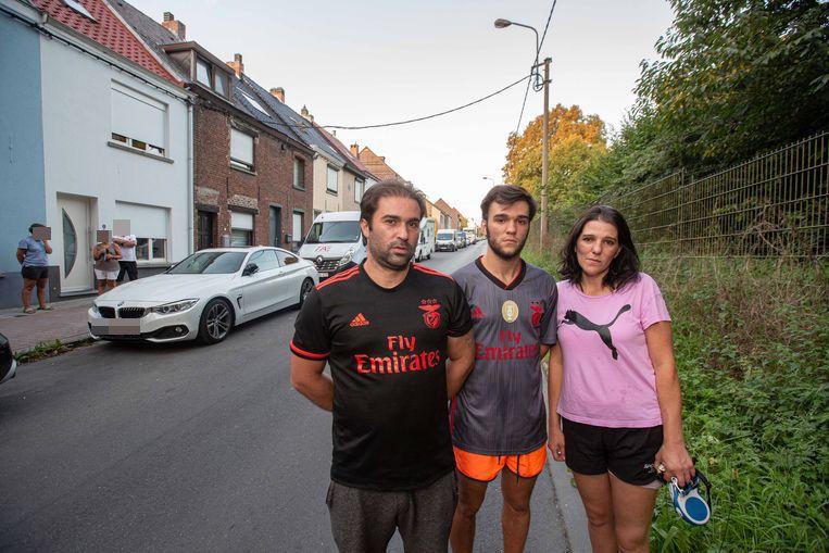 Francisco (hier centraal tussen zijn ouders) is voor heel wat Vlamingen een echte held, al riskeert hij vervolging voor poging tot moord.