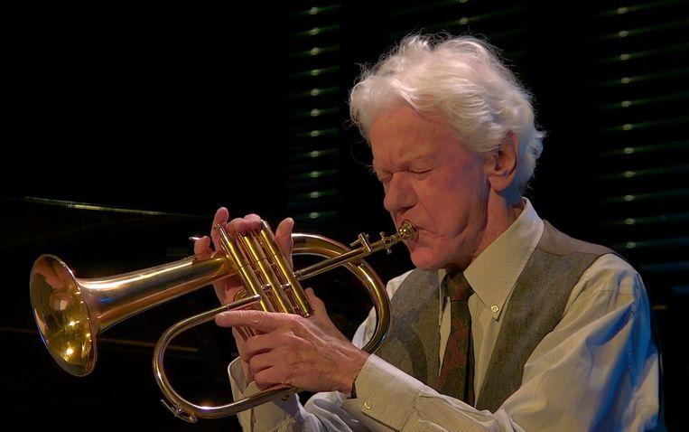 Ack van Rooyen op de flügelhorn in het Bimhuis dit jaar, bij zijn 90ste verjaardag. Beeld Filmbeeld