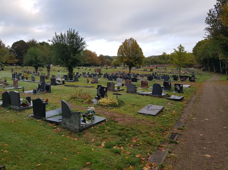 Op het kerkhof van Sint-Genesius-Rode vinden tot eind maart geen ontgravingen meer plaats.