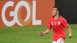 Football Talk. Chili begint met vlotte zege tegen Japan aan Copa América - Coulibaly spitsentrainer bij AA Gent?
