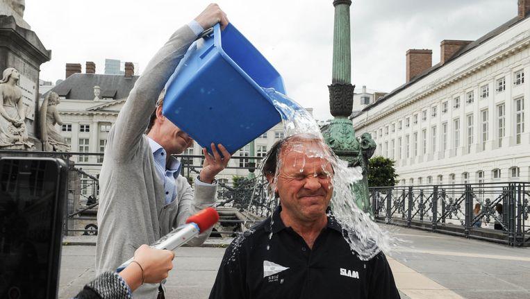 Philippe Muyters krijgt een koude douche: Dirk Van Melkebeke stapt op.