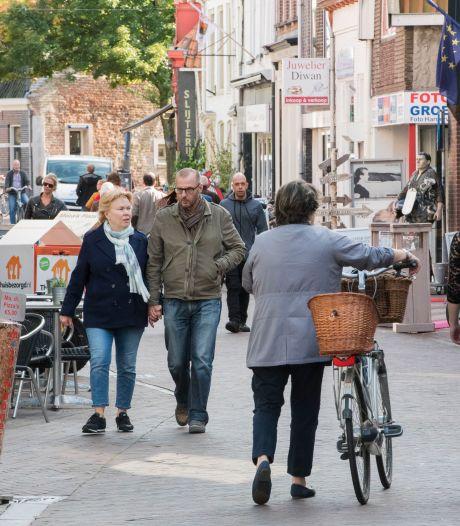 Ga naar de winkel, twittert burgemeester van Harderwijk - eh, maar niet allemaal tegelijk