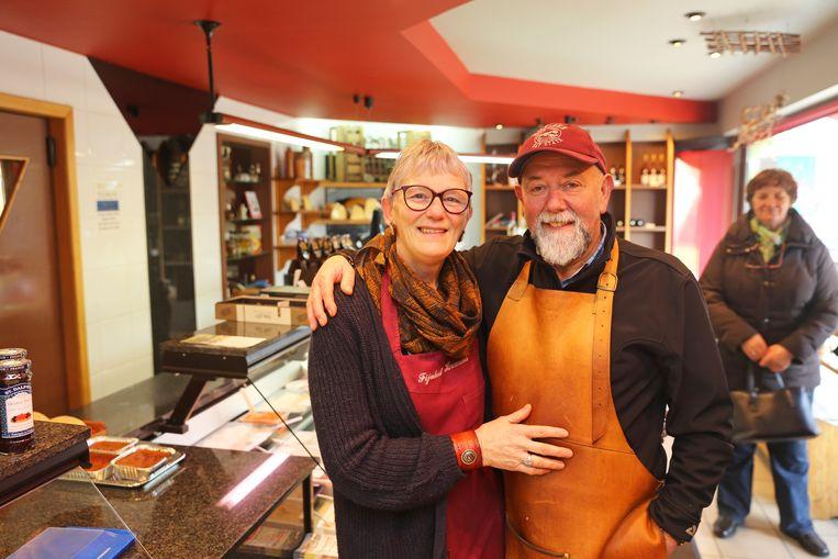 Johan Heremans en Gerlinde De Koster nemen afscheid van hun winkel.