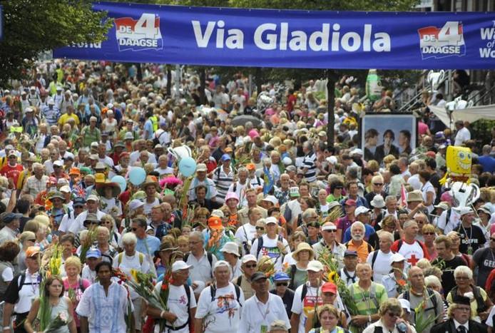 De intocht op de Via Gladiola.