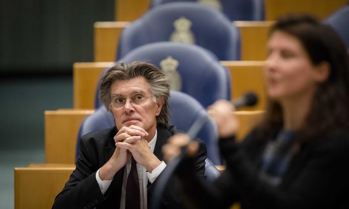 Henk Leenders in de tijd dat hij voor de PvdA in de Tweede Kamer zat.