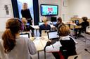 20191128 - Breda - In de voormalige Doopsgezinde Kerk in Boeimeer huist de particuliere basisschool Winford. Directrice Miriam Huijsmans staat ook zelf voor de klas. FOTO: PIX4PROFS/RAMON MANGOLD