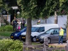 Politie ontruimt woning die op instorten staat in Angeren; bewoners (70+) overgebracht naar hotel
