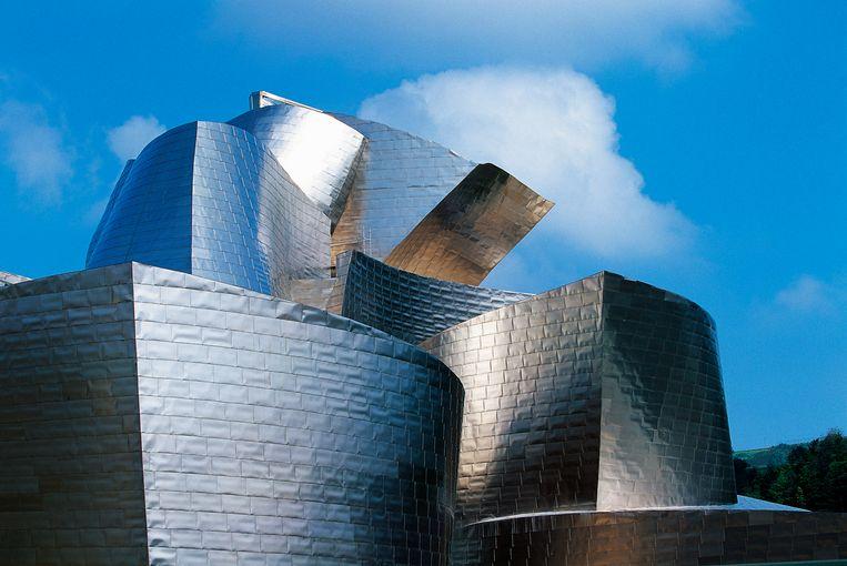 Het Guggenheim museum in Bilbao, 1997, van architect Frank Gehry. 'Ik ben lange tijd gefascineerd geweest door het vermogen van Frank Gehry om met diverse innovaties een geheel nieuw type gebouwen te creëren.' Beeld Getty Images