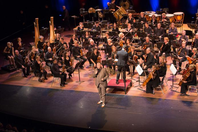 Het Gelders Orkest en Eric Corton in Stadstheater Arnhem in 2016.