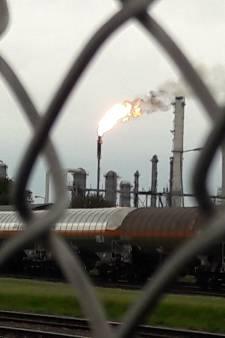 Grote vlam Dow Terneuzen, fabriek in storing