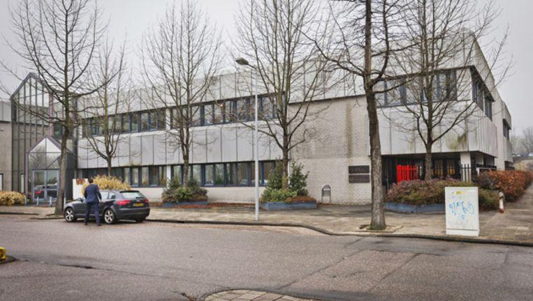 Het complex in de Overschiestraat waarvoor Scientology een voorlopige koopovereenkomst heeft gesloten. Foto © Marc Driessen Beeld