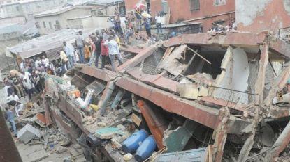 """Nigeriaanse basisschool stort in: """"Minstens 10 kinderen vast in puin"""""""
