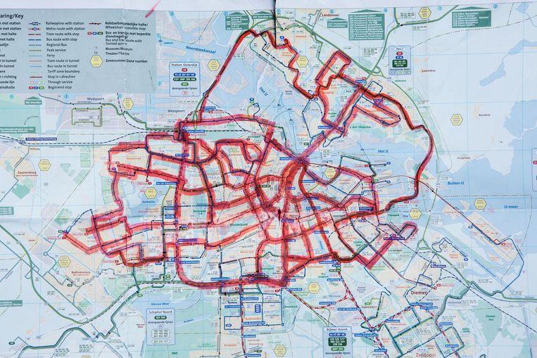 Michiel Sommeijers 'dagboekje', met de routes die hij in de eerste week na de opening van de Noord/Zuidlijn afgelegde Beeld Niels Blekemolen