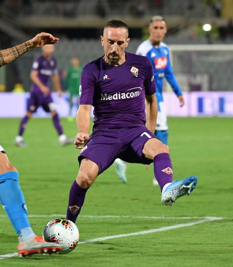 Fiorentina verliest met Ribéry in spektakelstuk van Napoli