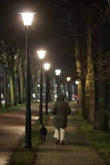 Koninklijke Marechaussee staat politie bij tijdens avondklok in Den Haag
