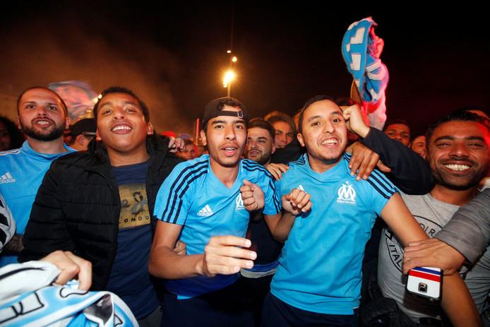 Feest bij de supporters van Olympique Marseille.
