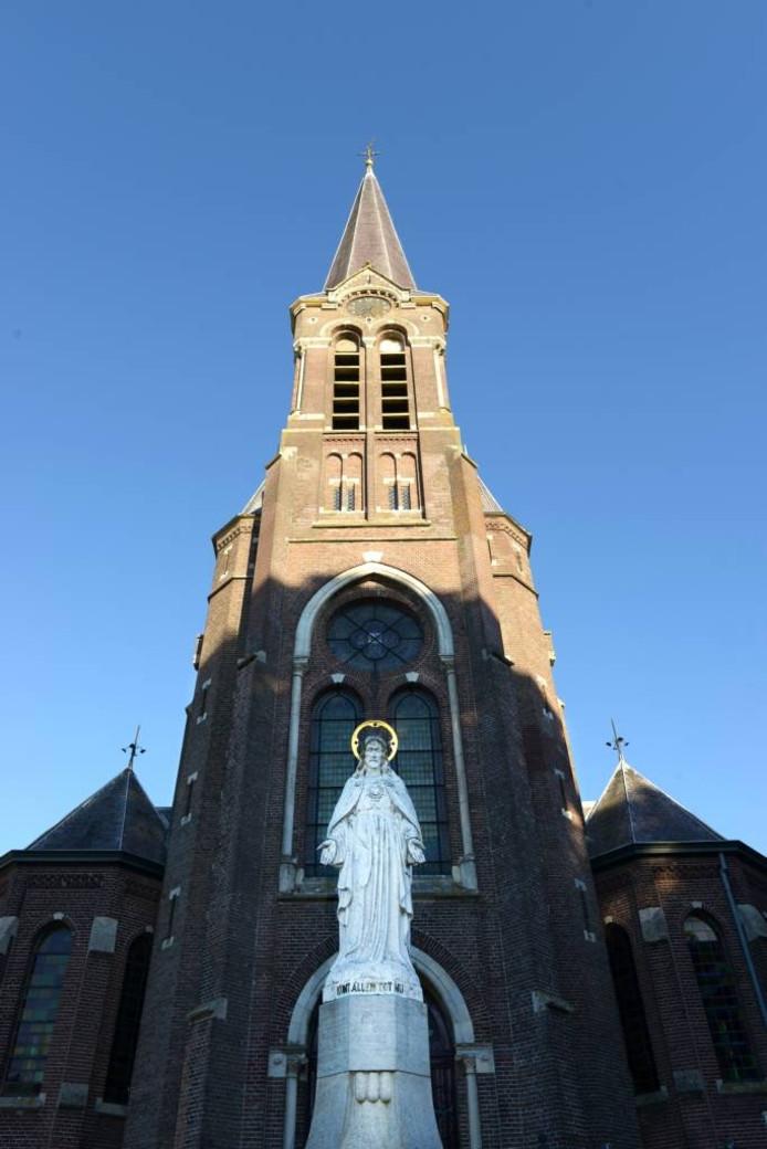 De Corneliuskerk aan de Houtse Heuvel in Den Hout. [FOTOBRON]foto Jan Stads/pix4profs