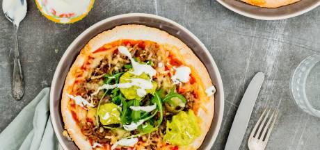 Wat Eten We Vandaag:  Tortillapizza met avocadocrème en gehakt