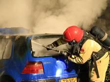 Auto brandt uit aan Berkelstraat in Helmond