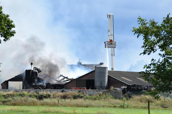 Brand op een boerderij in Wouwse Plantage.