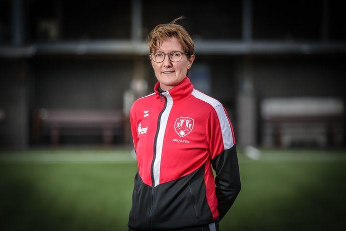 An Jacobs mikt in dit eerste jaar nationaal vrouwenvoetbal op een plaats in de middenmoot.