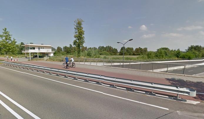 Het viaduct bij het voormalige tankstationnetje.