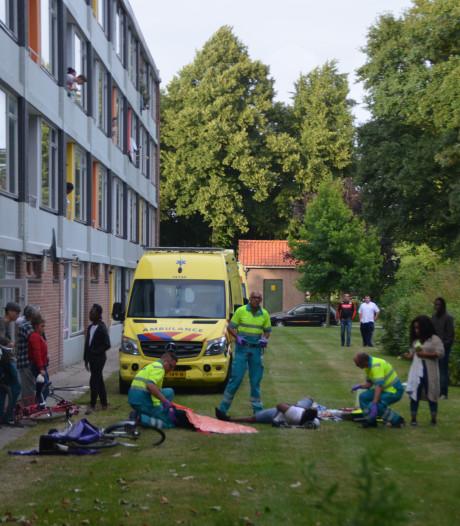 Man zwaargewond na val van balkon appartementencomplex in Terneuzen