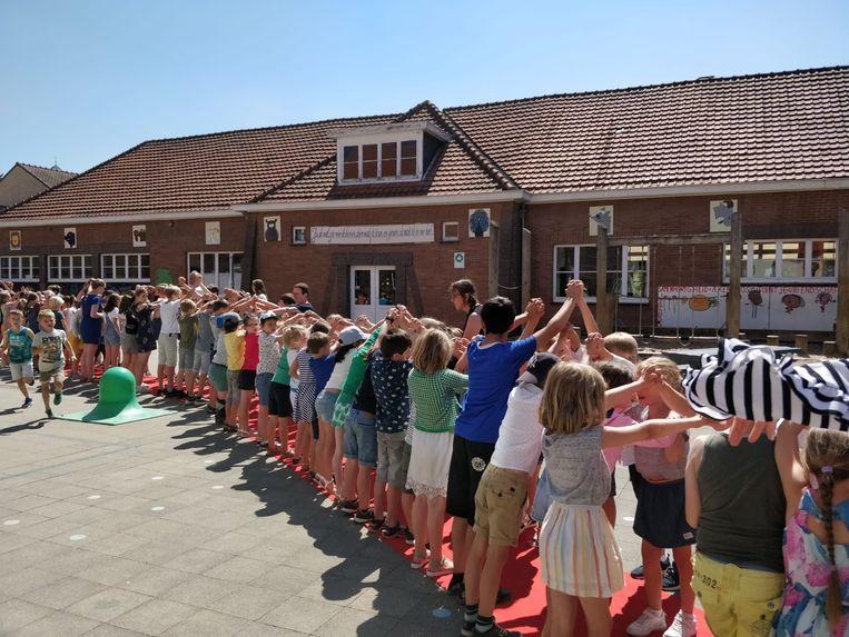 De Rank in Wezemaal viert het einde van het schooljaar op de rode loper