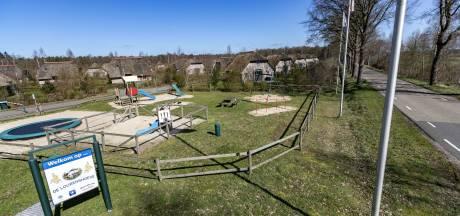 Eigenaar bungalowpark naar bestuursrechter om 'partycentrum': 'Dit kan niet langer'