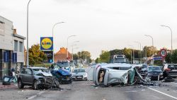 """Zonen van Dodge-bestuurder die dertien auto's ramde in Houthalen reageren: """"Papa kreeg een totale black-out achter het stuur"""""""