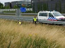 Politie doet extra onderzoek op A59 waar motorrijder (64) om het leven kwam