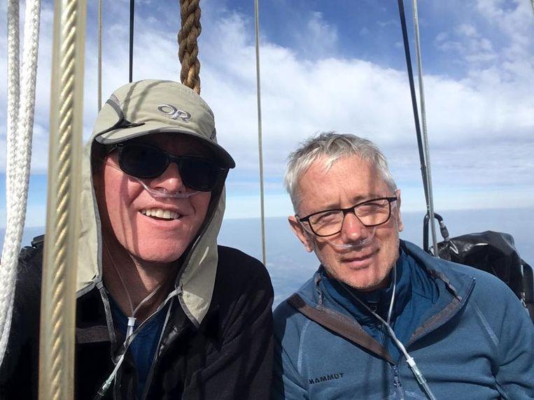 De Wase ballonvaarders Geert Peirsman en Philippe De Cock zijn dinsdagmiddag om 15.18 uur geland, vlakbij de Zwarte Zee in Bulgarije, na een vlucht van meer dan 90 uur.