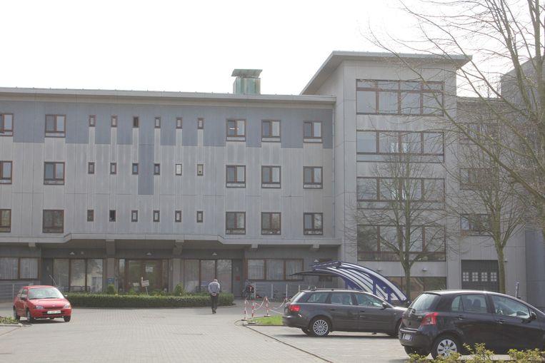 Het huidige en fel verouderde woonzorgcentrum Sint-Job.