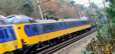 Geen treinverkeer tussen Apeldoorn en Zutphen door beschadigde spoorbrug