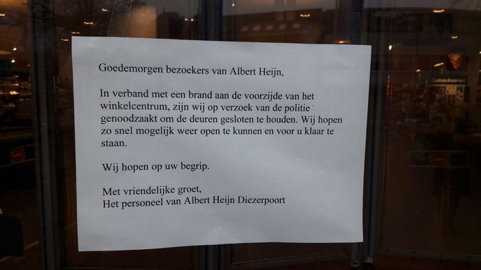 De Albert Heijn informeert haar klanten na de brand.