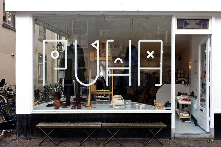 Etalages in de Voorstraat in Utrecht. Beeld Renate Beense