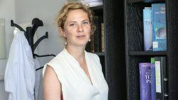 """Psychiater Nele Van de Velde: """"We mogen niet te ver vooruitkijken, want corona maakt alles onzeker"""""""