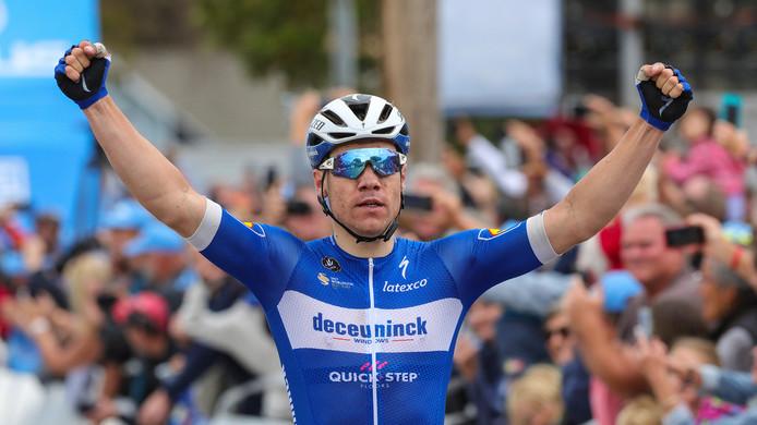 Fabio Jakobsen viert zijn overwinning.