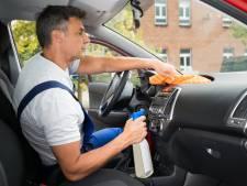 Maak het interieur van je auto weer als nieuw: zo doe je het