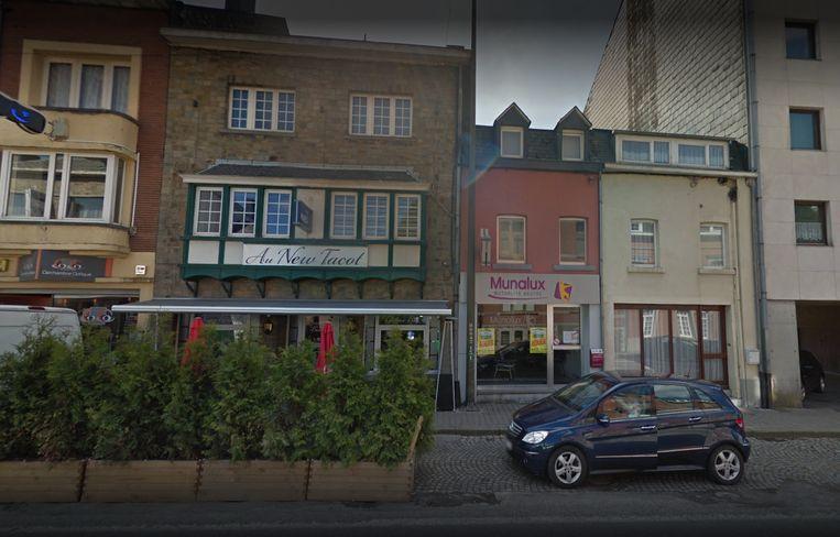 De uitbaatster van het café overleed in het ziekenhuis aan haar verwondingen.