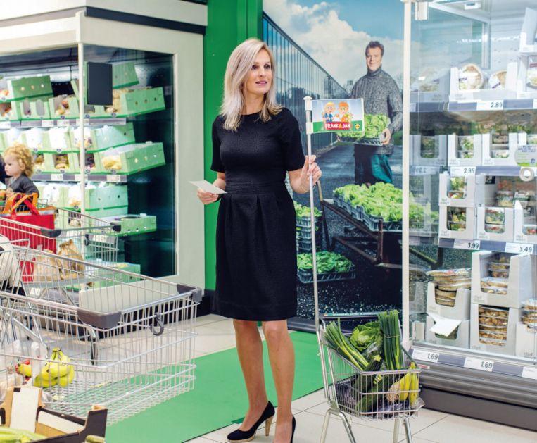 Marlijn Simons-Somhorst in haar winkel, de Lidl. Beeld Lars van den Brink