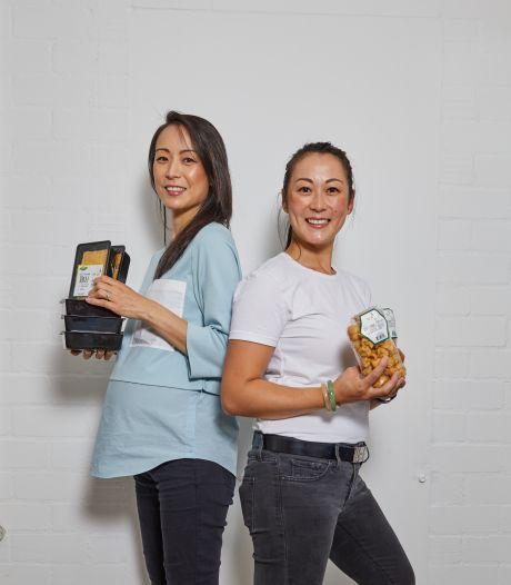 Deze Rotterdamse zussen maken ambachtelijke tofu volgens het 'badkamerrecept' van hun vader