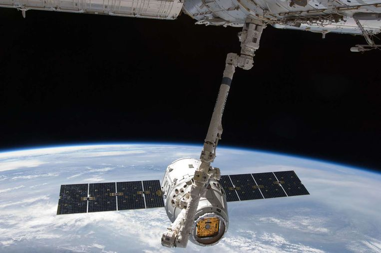 De Dragon-cargo van SpaceX wordt onder meer gebruikt om wetenschappelijke stalen en ander materiaal naar het ISS te brengen.