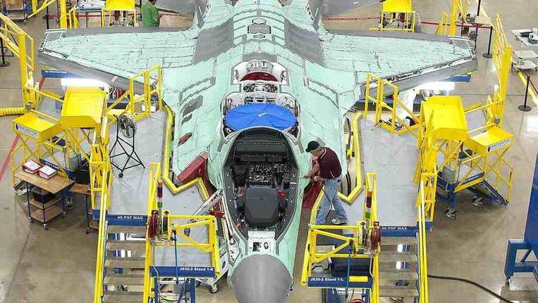 Een F35 Joint Strike Fighter in de fabriek in de Verenigde Staten. Beeld reuters