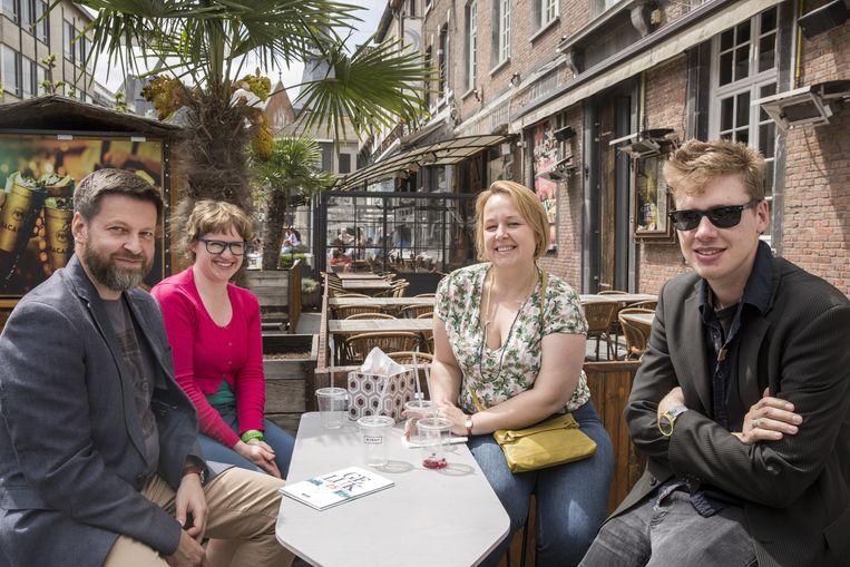 Joren, Els, Imke en Stefan waren zaterdag toevallig in Hasselt en besloten een haute dog te proeven.