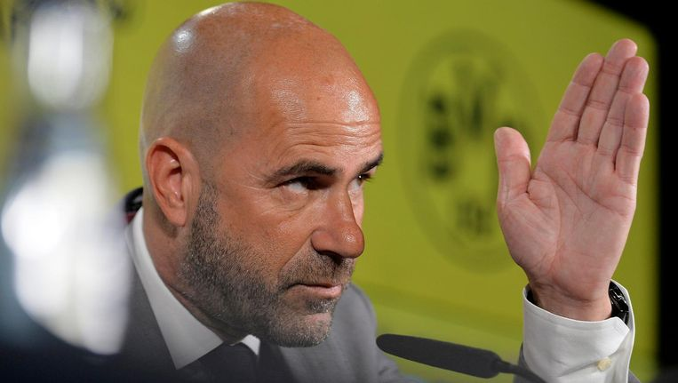 Bosz wilde niet ingaan op de mogelijk slechte relatie tussen hem en zijn voormalig assistenten bij Ajax. Beeld null