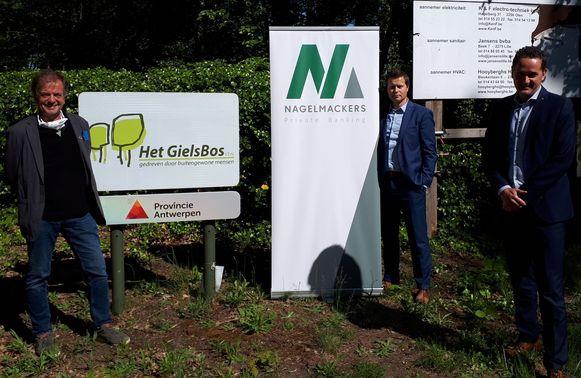 Guy Bruyninckx (directeur cliëntenzorg GielsBos), Roel Van Dun en Jan Willems (Bank Nagelmackers).