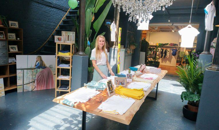 Nathalie De Schepper in de nieuwe pop-up store van Tiny Dreams.